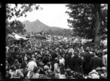 Singing on the Mountain crowd